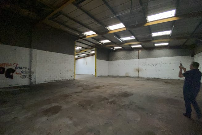 Units 13-14 Thornham Grove Industrial Estate, London, Industrial To Let - IMG_4660.JPEG