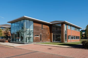 3 Cedarwood, Chineham Park, Basingstoke, Offices To Let - External_DSC_8206.jpg
