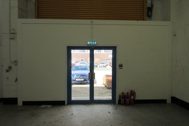 Unit 19 Goldsworth Park Trading Estate, Kestrel Way, Woking, Warehouse & Industrial To Let - IMG_9215.JPG
