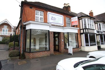 1 High Street, Hartley Wintney, Retail To Let - IMG_0727.JPG
