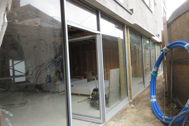 Commercial Units, 41B Station Approach, West Byfleet, Retail / Offices / Restaurant For Sale - IMG_2630.JPG