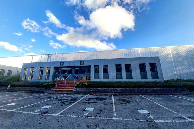 Units 8 & 9, Bilton Road, Basingstoke, Warehouse & Industrial To Let - Units 8  9 Bilton Road Front.jpg