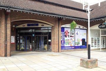 Store C, Chineham Shopping Centre, Chineham, Basingstoke, Retail To Let - Image 1
