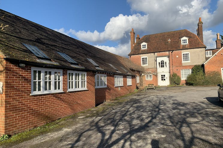 Fairfield House, 24 High Street, Bookham, Offices To Let - IMG_6745.jpg