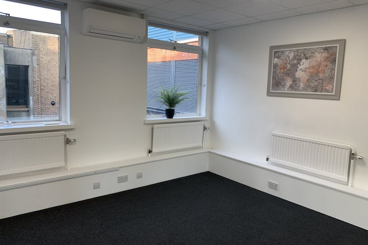 Second Floor, Manor House, Leatherhead, Offices To Let - IMG_2962.jpg