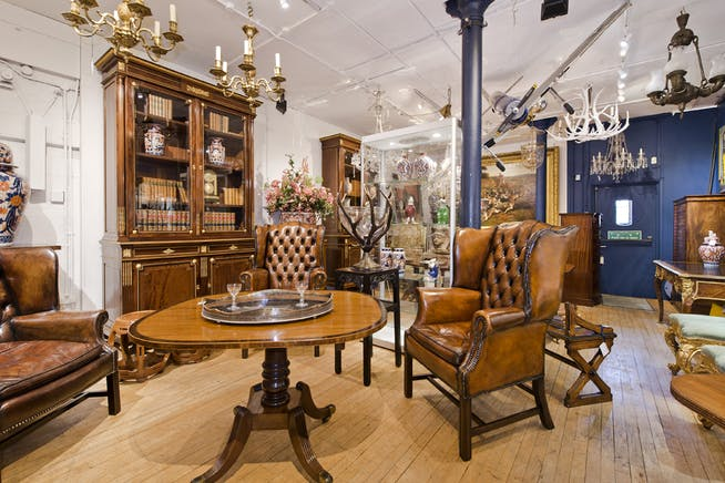The Furniture and Arts Building, 533 Kings Road, Chelsea,  Sw10, Office / Retail To Let - showroom@533 kings rd-5093 low.jpg