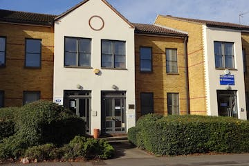 321 Kingston Road, Leatherhead, Offices To Let / For Sale - DSC02624.JPG