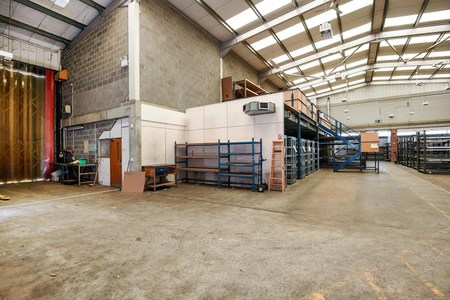 231 London Road, Staines Upon Thames, Industrial To Let - 248489 (2).JPG