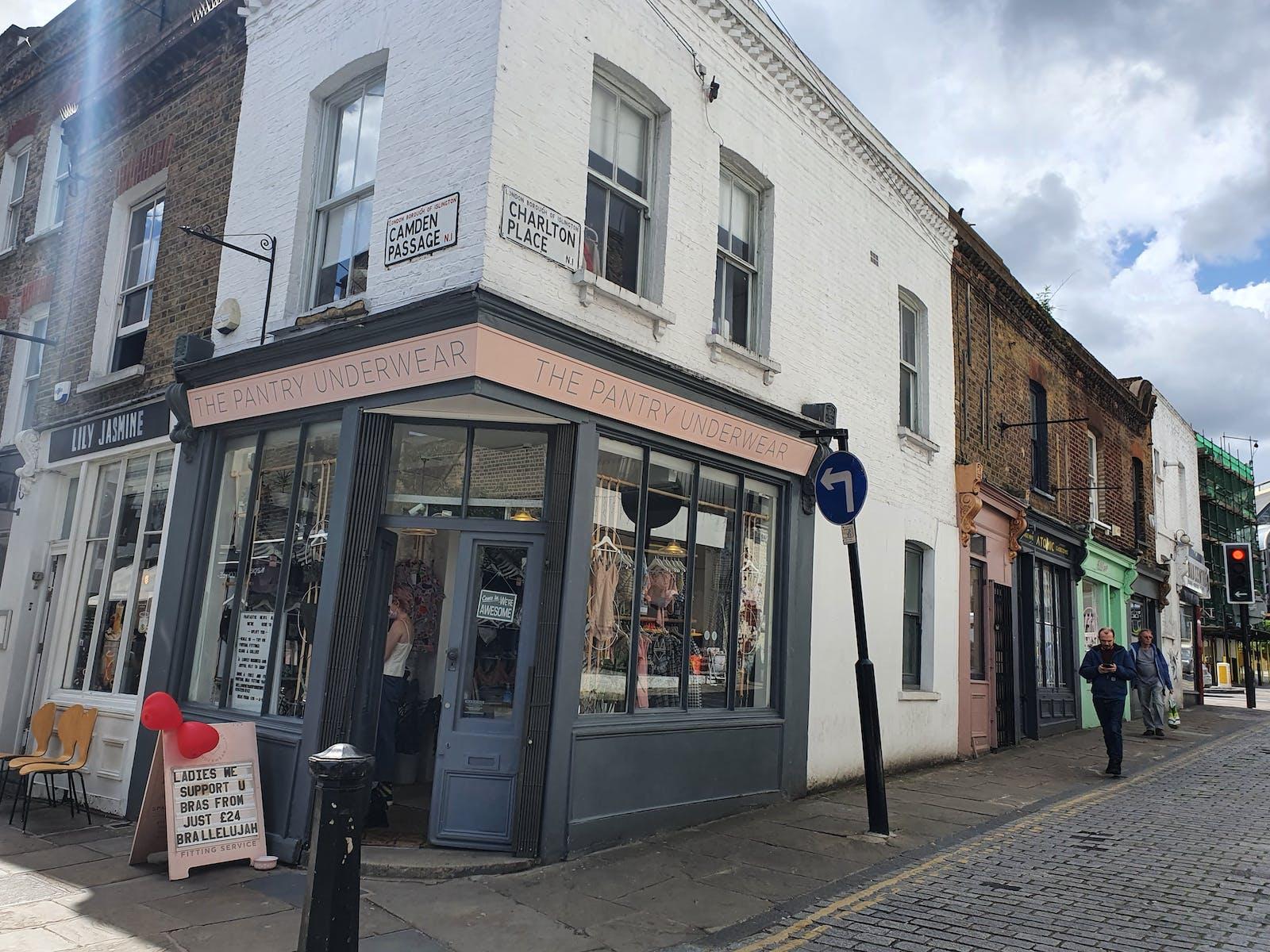 27 Camden Passage, London, Retail / Showroom To Let - 20210512_144914.jpg