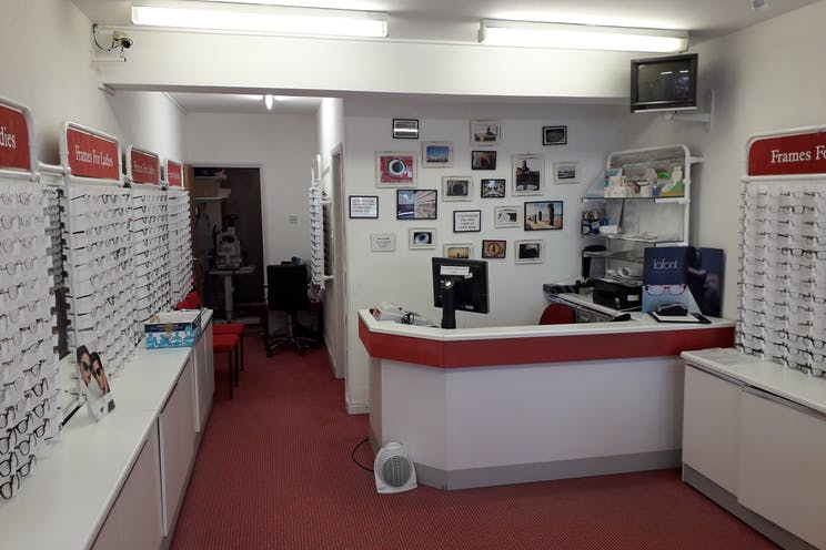 30 Mengham Road, Hayling Island, Retail For Sale - Retail area.jpg