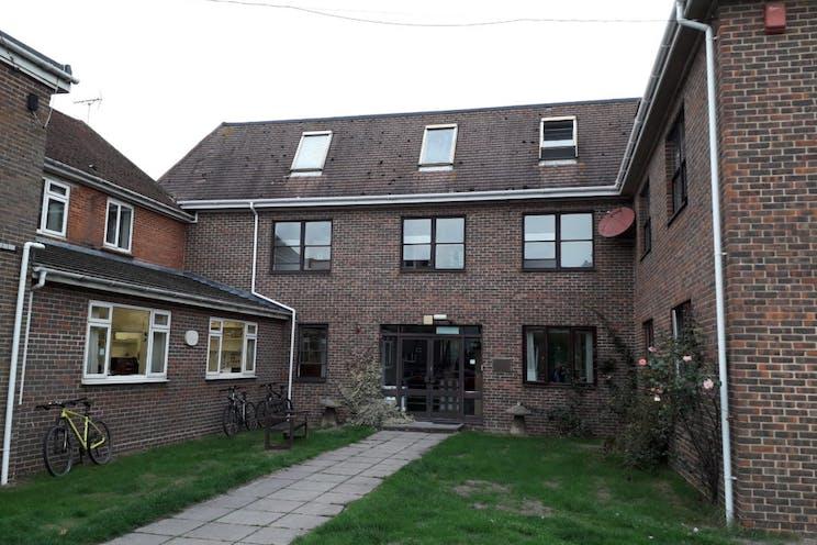 Bartholomews, Bognor Road, Chichester, Office To Let / For Sale - 238-4728-1024x768.jpg