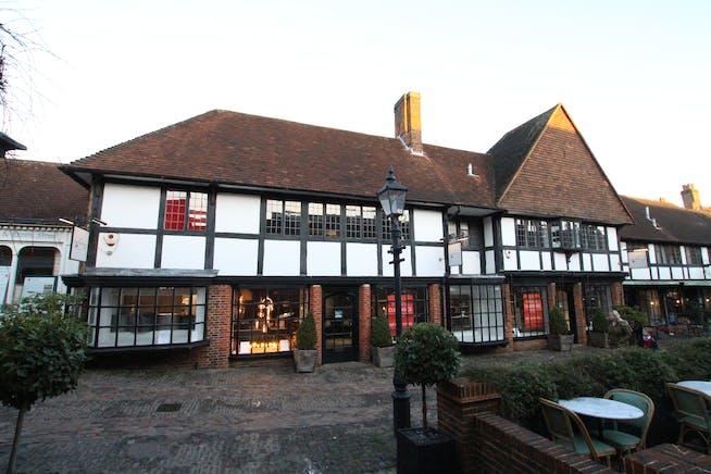 17-18 Lion & Lamb Yard, Farnham, Retail To Let - IMG_9345.JPG