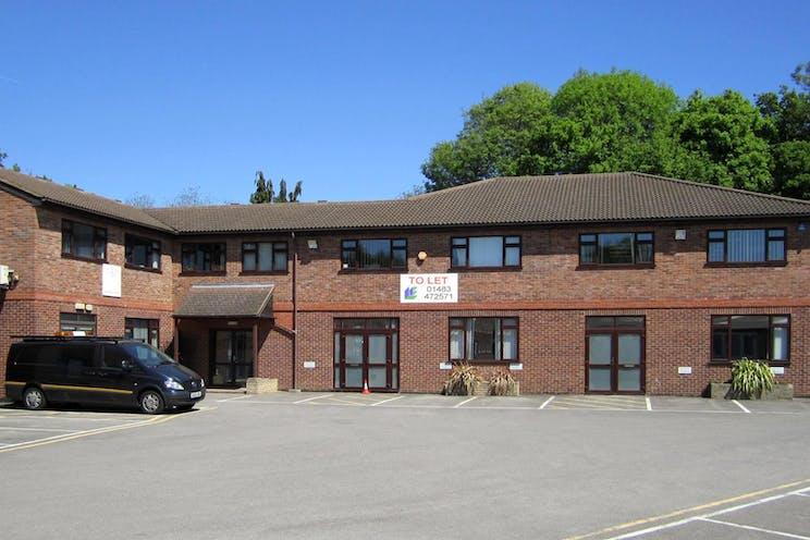 1st Floor SU5 Lansbury Business Estate, Lower Guildford Road, Woking, Offices To Let - Lansbury Estate SU 5 & 6.jpg