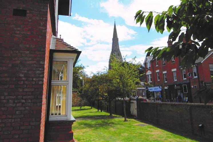 Locke King House, Balfour Road, Weybridge, Offices To Let - LockeKing.Weybridge(9).jpg
