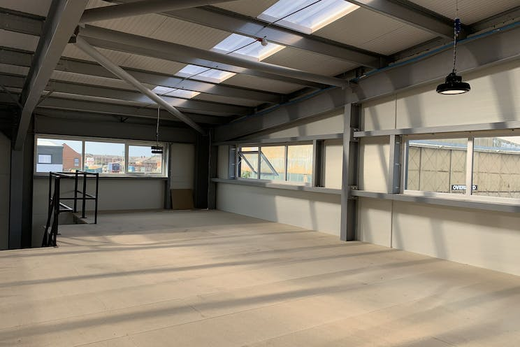 IL8, Daedalus Park, Lee-On-The-Solent, Industrial To Let - NCaq_8-d.jpg