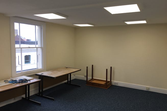 2 High Street Mews, Poole, Office To Let - 01.jpg