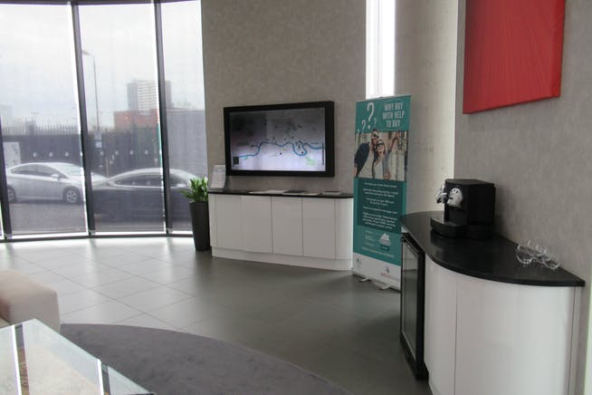 Unit 1, Unex Tower, London, Office / Retail To Let - IMG_1861.JPG