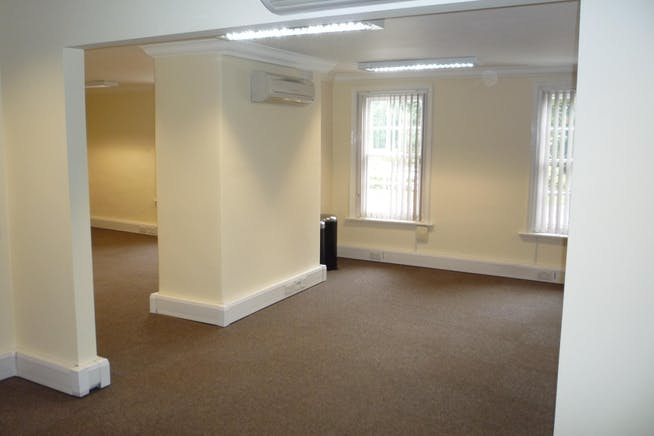 Suite 4, Crown House, Hartley Wintney, Offices To Let - P1020898.JPG