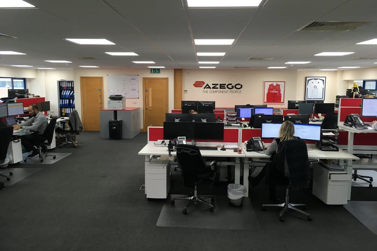 Units 7, 8 & 9, Theale Lakes Business Park, Reading, Office To Let / For Sale - IMG2177.JPG