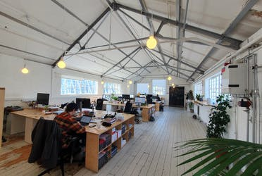 Unit 10, London, Offices To Let - 20210519_102445.jpg - More details and enquiries about this property