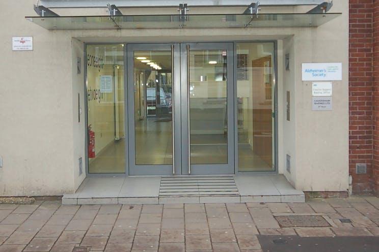 3rd Floor, 118-128 London Street, Reading, Office To Let / For Sale - DSC_0012.JPG