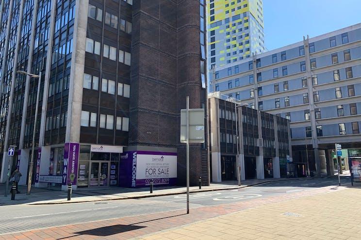 Unit 1 Enterprise House, Isambard Brunel Road, Portsmouth, Office / Retail / Leisure / Pubs, Bars & Clubs / Restaurant / Takeaway / Restaurant / Takeaway To Let / For Sale - WpKK6CHw.jpeg