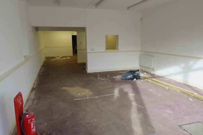 101 Lynchford Road, Farnborough, Retail To Let - IMG_0644.JPG
