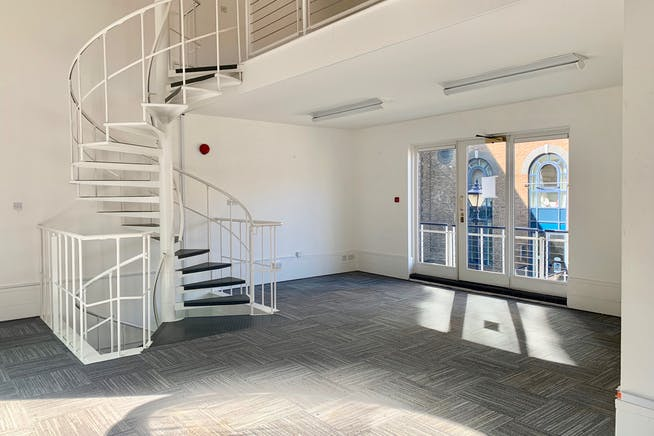 Plantation Wharf, York Place, London, Offices To Let - Example Internal (2)