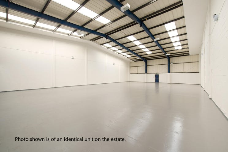 Unit D6 Sandown Industrial Estate, Esher, Warehouse & Industrial To Let - Internal.Oct17.jpg