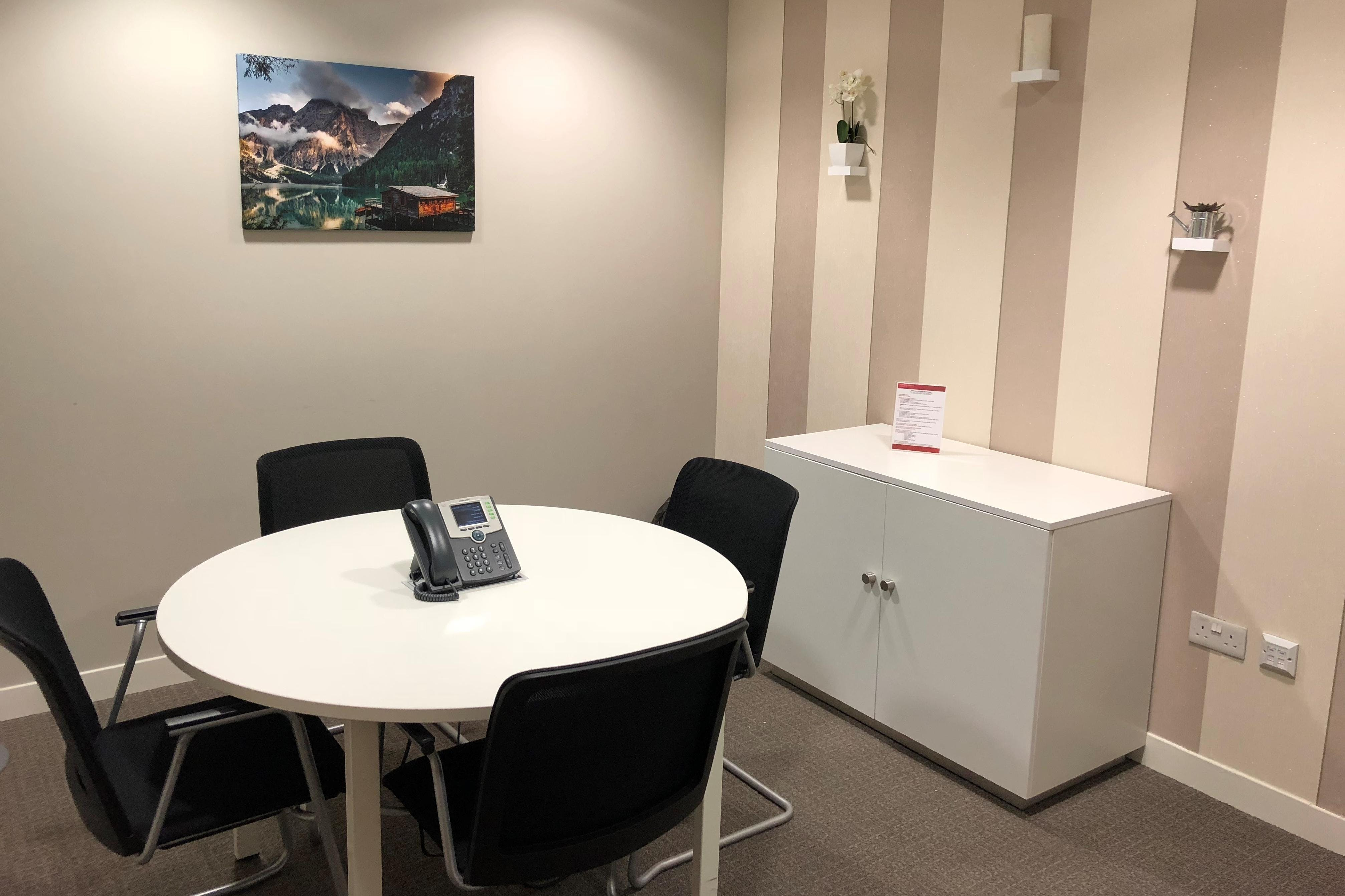 Regus at The Balance, 2 Pinfold Street, Sheffield, Offices To Let - Meeting Room - Bean (1).jpg