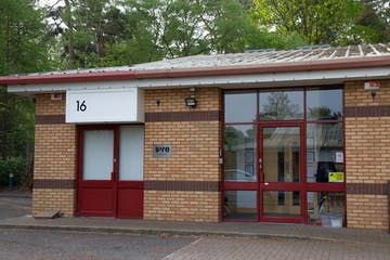 16 Wellington Business Park, Crowthorne, Offices / Investment For Sale - Front photo to use.jpg