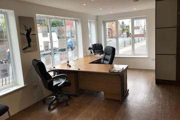 31 Victoria Street, Englefield Green, Office / Retail To Let / For Sale - IMG_7508.jpg