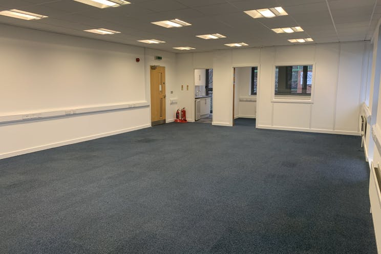 Unit 10  Axis, Leatherhead, Offices To Let - IMG_5842.jpg