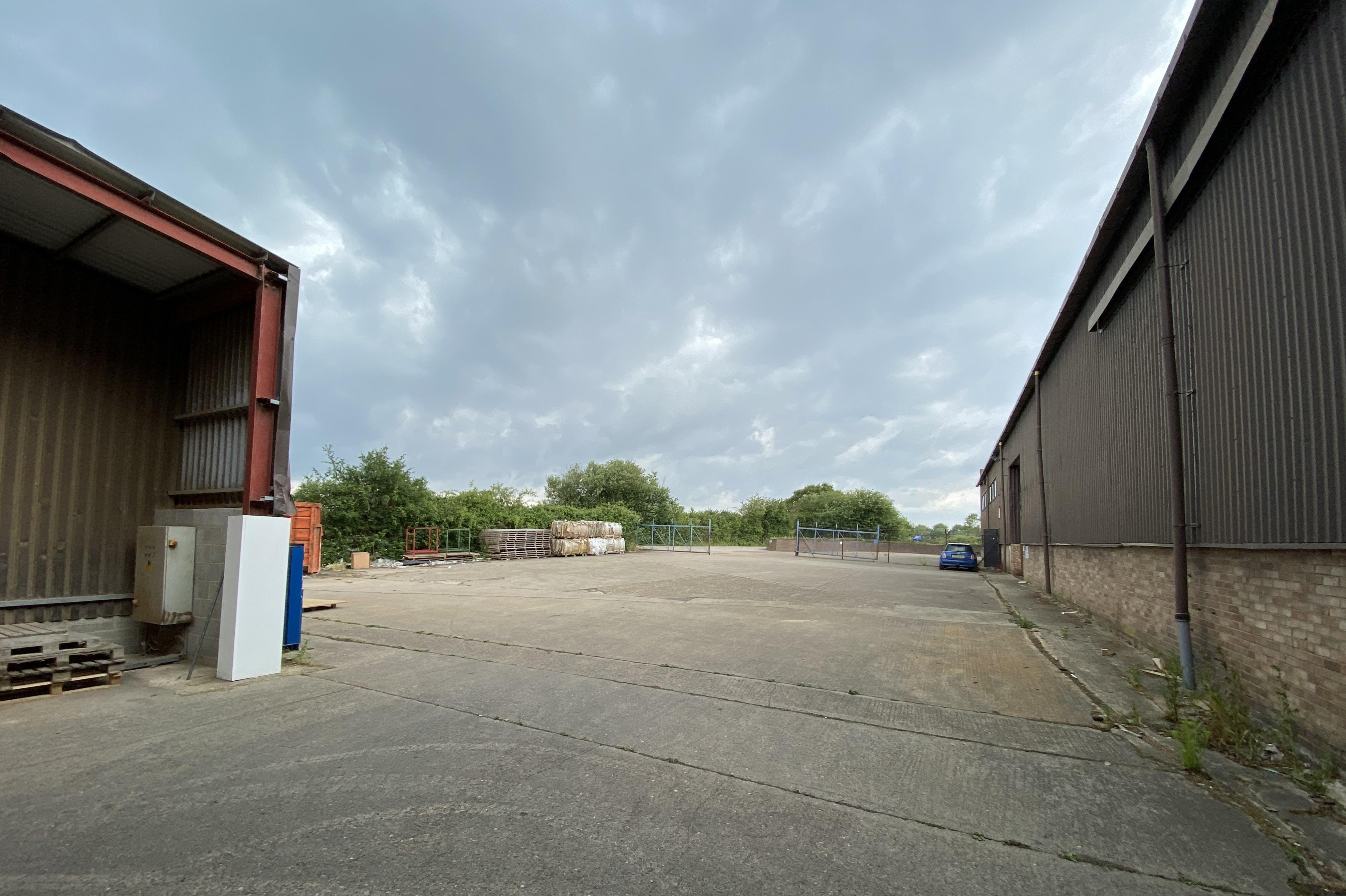 Unit A, Irton House, Warpsgrove Lane, Chalgrove, Industrial To Let - YARD.JPG
