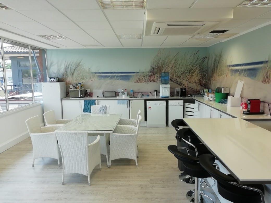 Unit 3, E-Centre, Bracknell, Offices To Let - IMG_20200623_140803_resized_20200625_022447342.jpg