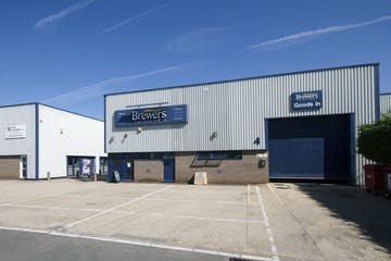 Unit 4, The Paddock Trading Estate, Newbury, Industrial To Let - BrewersPaddock2.jpg