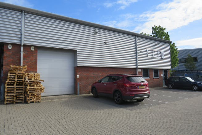Unit 11, Camberley Business Centre, Surrey, Warehouse & Industrial To Let - IMG_0845.JPG