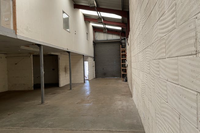 Unit 1, Thame Road Industrial Estate, Haddenham, Industrial To Let - IMG_3721.JPG