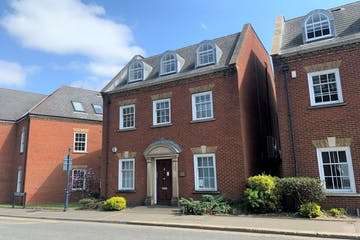 2 Castlefield Court, Reigate, Offices To Let - IMG_6745.jpg