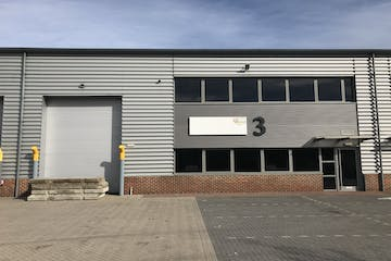 Unit 3, Camberley, Warehouse & Industrial To Let - IMG_4363.jpg
