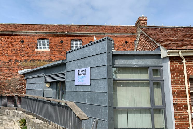 Victory Gate Lodge, The Hard, Portsmouth, Office / Retail / Leisure To Let - FMCC1z5Q.jpeg