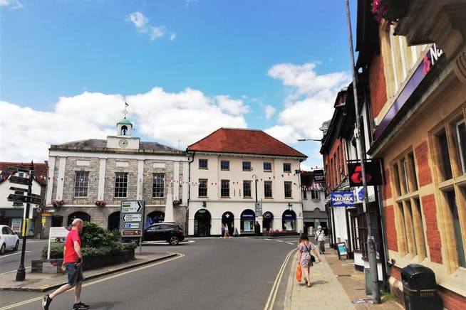 4-5 Market Square, Marlow, Offices To Let - External 2 MSquare.jpg
