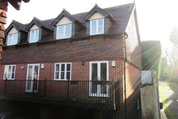 4 Austin Court, London Road, Westerham To Let - main