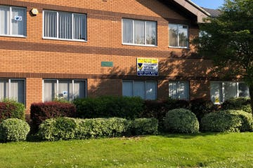8A 8B Dragoon House, Waterlooville, Office To Let - Front - 8a&8b Dragoon House.jpeg