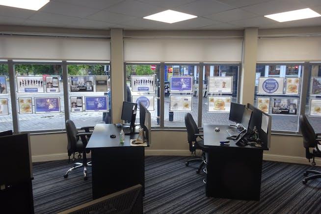 34-36 Burlington Street, Chesterfield, Offices / Retail To Let - DSC03020.JPG