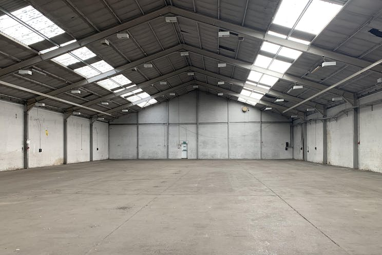 Unit A, 26 Bonehurst Road, Salfords, Warehouse & Industrial To Let - IMG_1869.jpg