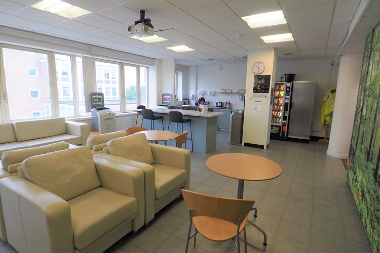 31-33 Perrymount Road, Haywards Heath, Office To Let / For Sale - P6100393.JPG