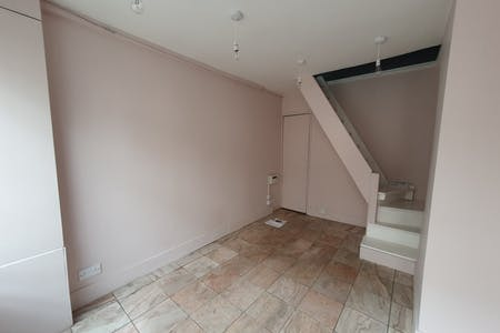 2 Charlton Place, London, Retail / Showroom To Let - 20210512_143116.jpg