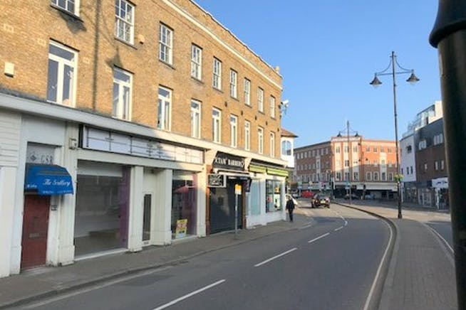5-7 Clarence Street, Staines-upon-Thames, Retail To Let - IMG_0495 002.jpg