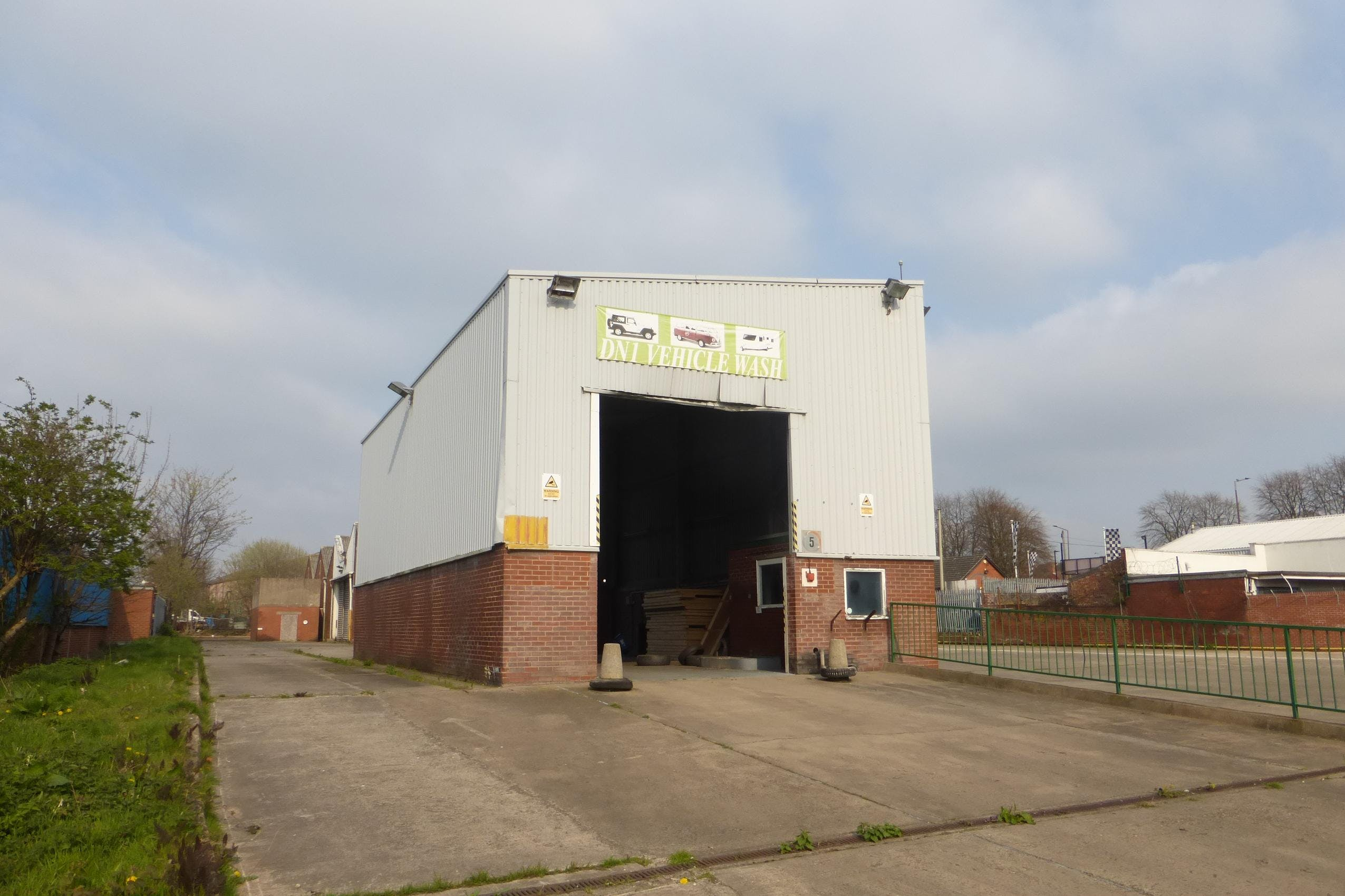 Milethorn Works, Milethorn Lane, Doncaster, Warehouse & Industrial To Let - Wash bay and yard